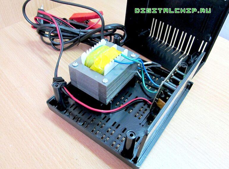 Зарядное устройство для стартерных батарей Compact 2500. Вскрытие.